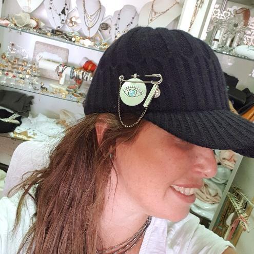 כובע צמר מעוצב