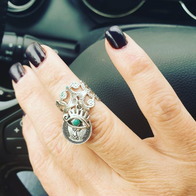טבעת תחרה עין